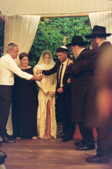 תמונה 11 מתוך חוות דעת על הרב אליעזר ברוד - טקס מכובד, מרגש ומתחשב - רבנים ועורכי טקסים