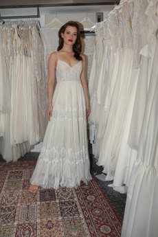 תמונה 1 של רן צוריאל - שמלות כלה