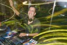 תמונה 2 מתוך חוות דעת על גוטמן החברה למוסיקה -DJ גיא גוטמן - תקליטנים