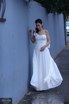 תמונה 2 מתוך חוות דעת על אלון ליבנה - שמלות כלה
