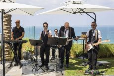 תמונה 6 מתוך חוות דעת על להקת אוברטון - להקות וזמרים