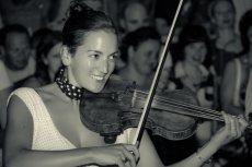 תמונה 3 של קליינע מענטשעלעך - להקות וזמרים