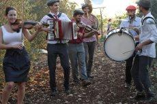 תמונה 4 של קליינע מענטשעלעך - להקות וזמרים