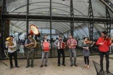תמונה 5 מתוך חוות דעת על קליינע מענטשעלעך - להקות וזמרים