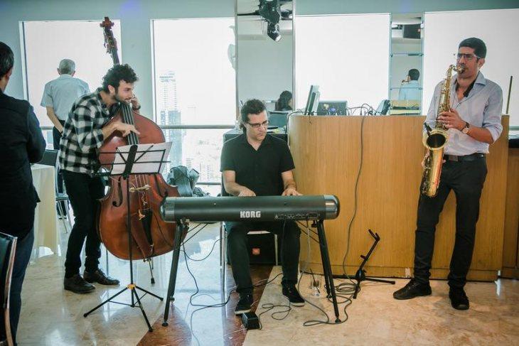 תמונה 1 מתוך חוות דעת על אלי ואנונו- מוסיקה לקבלת פנים - להקות וזמרים