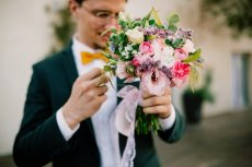 תמונה 3 של שזור בקסם - שזירת תכשיטי פרחים באירועים - שזירת פרחים