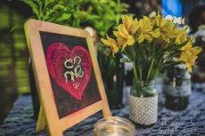 תמונה 2 של שזור בקסם - שזירת תכשיטי פרחים באירועים - שזירת פרחים