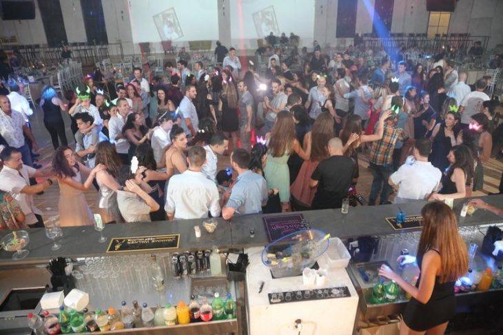 תמונה 2 מתוך חוות דעת על קלמנטין דיג׳ייז | Clemantin DJ׳s - תקליטנים