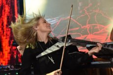 תמונה 4 של אלכסנדרה הכנרת   Alexandra Violinist - להקות וזמרים