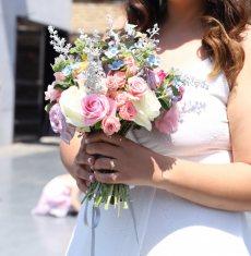 תמונה 2 של לילי - עמדת שזירה ועיצוב חתונות  Lily - Flower Booth - עיצוב אירועים