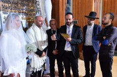 תמונה 3 של הרב דורון הלוי חופה מרגשת מאהבה ומותאמת אישית כדת משה וישראל - רבנים ועורכי טקסים