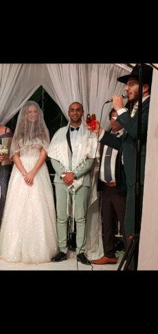 תמונה 10 מתוך חוות דעת על הרב אלירן זגורי-לטקס קצר שמח ומרגש :) - רבנים ועורכי טקסים